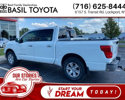 Pre-Owned 2018 Nissan Titan SV 4WD