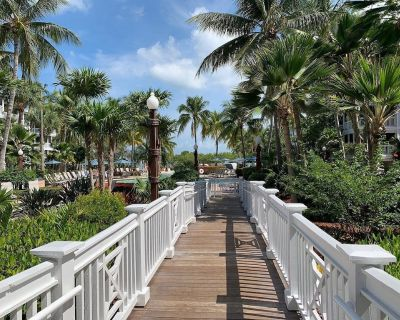 Private Beach House Resort Suite + Lagoon Pool, Private Beach + Spa + Dock - Key West