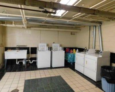 1816 E Kane Pl #5, Milwaukee, WI 53202 3 Bedroom Apartment