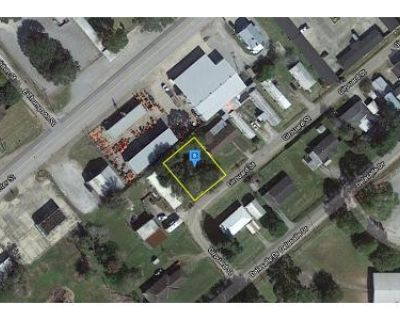 Preforeclosure Property in New Iberia, LA 70560 - Girouard St