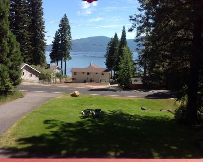 Starry Nights, wonderful LAKE view home in Country Club - Lake Almanor Country Club