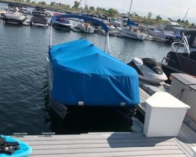 2017 Sun Tracker Dlx 18 party barge